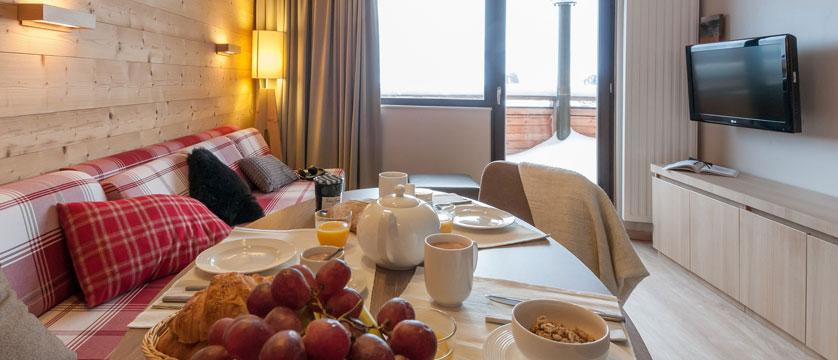 France_Avoriaz_Les-Crozats-apartments_Living-area2.jpg